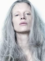 Kristen Mc Menamy, Mannequin célèbre des années 80-90 mais toujours en activité