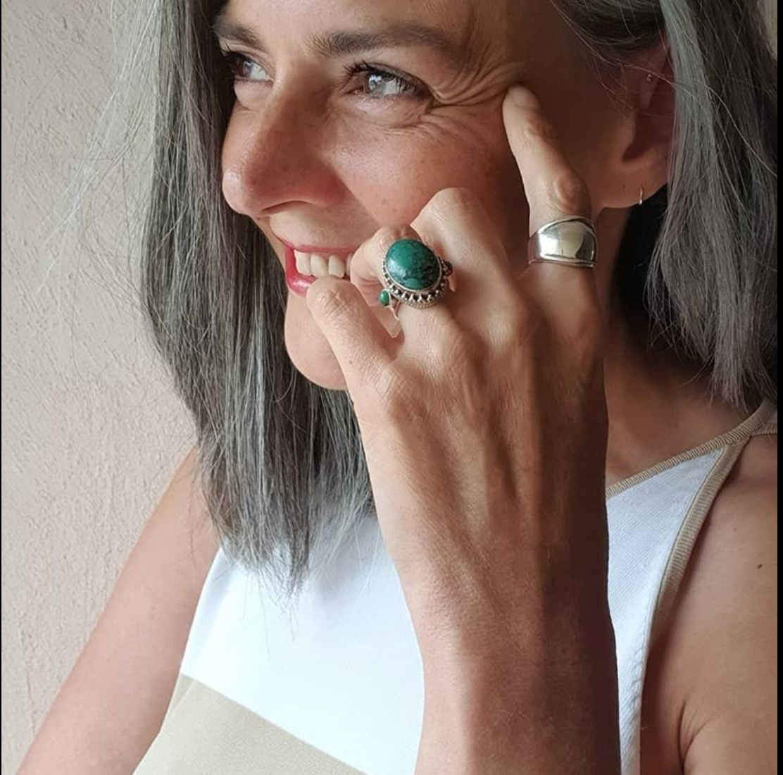 Sandrine, femmes cheveux gris